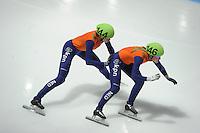 SCHAATSEN: DORDRECHT: Sportboulevard, Korean Air ISU World Cup Finale, 12-02-2012, Final Relay Ladies, Jorien ter Mors NED (144), Sanne van Kerkhof NED (146), ©foto: Martin de Jong