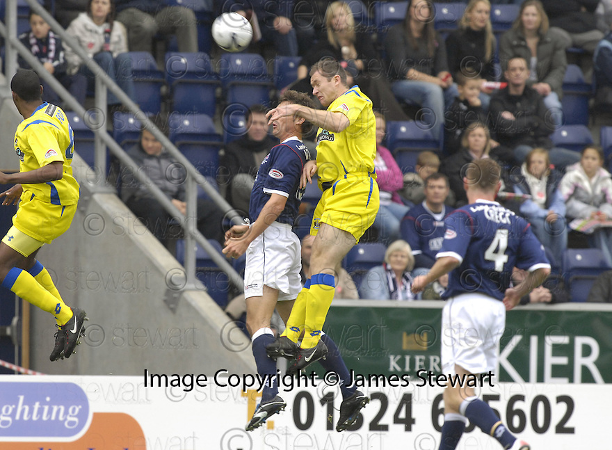 20/10/2007       Copyright Pic: James Stewart.File Name : sct_jspa01_falkirk_v_kilmarnock.FRAZER WRIGHT SCORES KILMARNOCK'S FIRST.James Stewart Photo Agency 19 Carronlea Drive, Falkirk. FK2 8DN      Vat Reg No. 607 6932 25.Office     : +44 (0)1324 570906     .Mobile   : +44 (0)7721 416997.Fax         : +44 (0)1324 570906.E-mail  :  jim@jspa.co.uk.If you require further information then contact Jim Stewart on any of the numbers above........