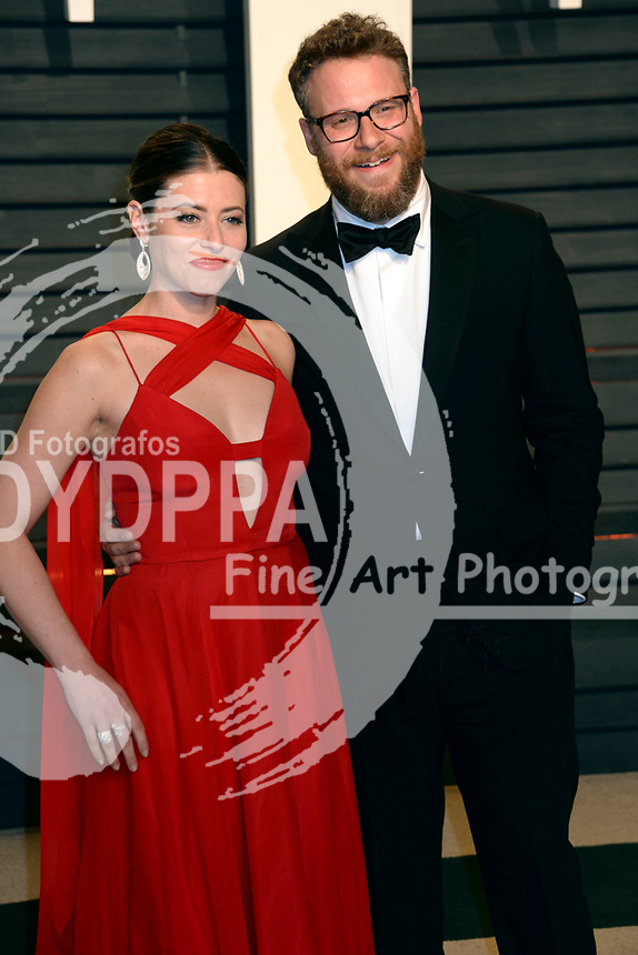 Lauren Miller and Seth Rogen attend the 2017 Vanity Fair Oscar Party hosted by Graydon Carter at Wallis Annenberg Center for the Performing Arts on February 26, 2017 in Beverly Hills, California.