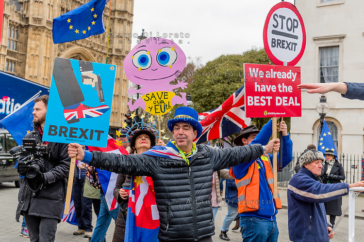 LONDON, ENGLAND - JANUARY 15: A pro NO Brexit outside the House of Commons on January 15, 2019 in London, England. Theresa May's Brexit deal finally reaches the House of Commons this evening and MPs will begin voting on it at 7pm. The Prime Minister has consistently said her's is the only deal that Brussels will entertain and urged support from Parliament to avoid the UK crashing out of the European Union with no deal. Photo Adamo Di Loreto