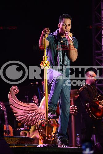 Romeo Santos durante su presentacion en el  estadio de futbol Pirata Fuente en Boca del Rio el 6  Mrzo 2014.<br /> <br /> &copy;WilberVazquez/NortePhoto