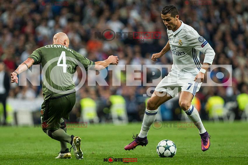 Legia Warszawa's Jakub Czerwinski Real Madrid's Cristiano Ronaldo during the match of UEFA Champions League group stage between Real Madrid and Legia de Varsovia at Santiago Bernabeu Stadium in Madrid, Spain. October 18, 2016. (ALTERPHOTOS/Rodrigo Jimenez) /NORTEPHOTO.COM