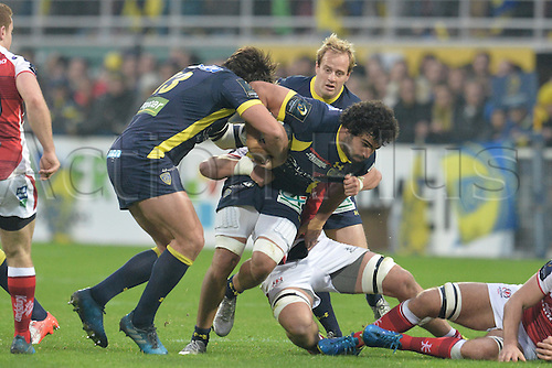 18.12.2016. Stade Marcel Michelin, Clermont-Ferrand, France. European Champions Cup Rugby. Clermont Auvergne versus Ulster.  Remi Lamerat and Viktor Kolelishvili (asm)  push together for field position