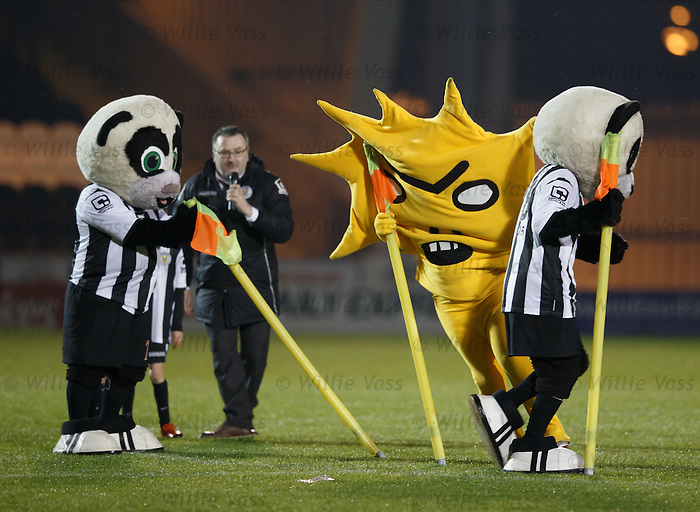 Mascot race with Kingsley and the Paisley Panda