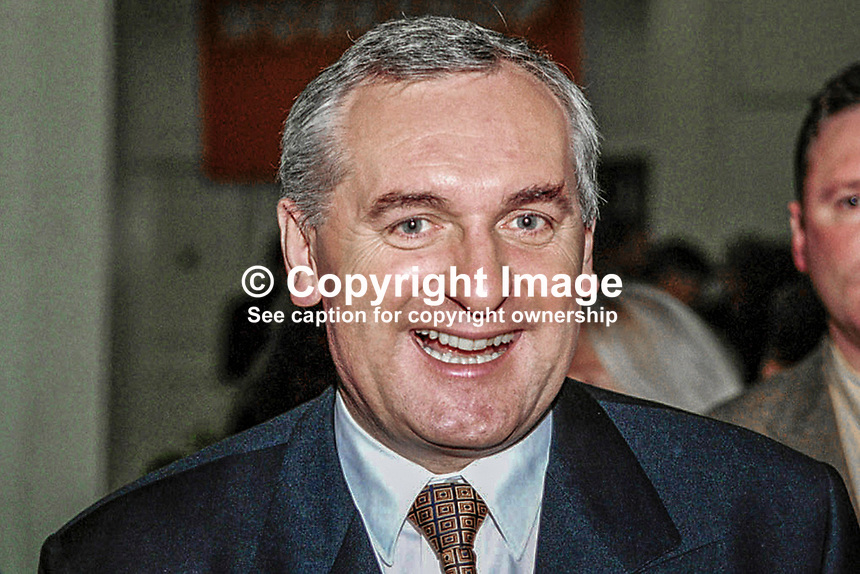 Bertie Ahern, Fianna Fail, TD, Prime Minister (Taoiseach), Rep of Ireland, at Ard Fheis (party conference). 199811078..Copyright Image from Victor Patterson, 54 Dorchester Park, Belfast, UK, BT9 6RJ..Tel: +44 28 9066 1296.Mob: +44 7802 353836.Voicemail +44 20 8816 7153.Skype: victorpattersonbelfast.Email: victorpatterson@mac.com.Email: victorpatterson@ireland.com (back-up)..IMPORTANT: If you wish to use this image or any other of my images please go to www.victorpatterson.com and click on the Terms & Conditions. Then contact me by email or phone with the reference number(s) of the image(s) concerned.