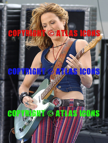 SHERYL CROW; CBS's The Early Show;.Photo Credit: Eddie Malluk/Atlas Icons.com