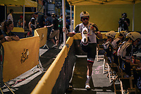 Michael Matthews (AUS/Sunweb) swingin' it in the waiting area just behind the start podium<br /> <br /> Stage 3 (Team Time Trial): Cholet > Cholet (35km)<br /> <br /> 105th Tour de France 2018<br /> ©kramon