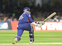 .29/06/2002.Sport - Cricket - .NatWest triangler Series England - Sri Lanka - India.England vs india 50 overs.  Lord's ground.England batting - Marcus Trescothick ..