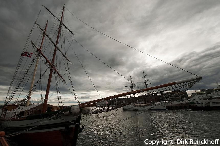 Norwegen, Oslo, Schiffe im Hafen