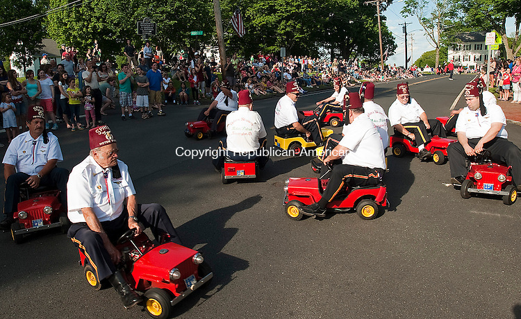 MIDDLEBURY, CT-052514JS05--Members of the Sphinx Shriners Motor Patrol of Newington, entertain the crowd during the annual Memorial Parade Sunday in Middlebury. <br /> Jim Shannon Republican-American