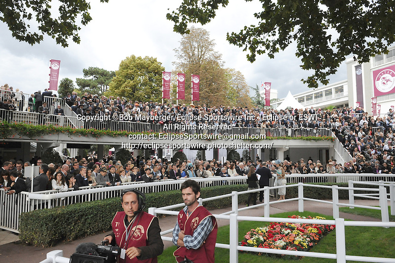 Scenes from around the track on Prix de l'Arc de Triomphe Day on October 6, 2013 at Longchamp Racecourse in Paris, France.  (Bob Mayberger/Eclipse Sportswire)