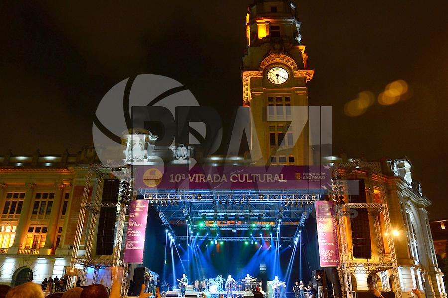SÃO PAULO. SP 17.05.2014. VIRADA CULTURAL 2014 -  A banda Ira abre a Virada Cultural 2014 no Palco pricipal da Julio Prestes neste sabado 17 ( Foto : Bruno Ulivieri / Brazil Photo Press )