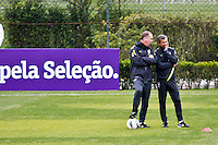 ATENÇÃO EDITOR: FOTO EMBARGADA PARA VEÍCULOS INTERNACIONAIS - COTIA,SP,04 SETEMBRO 2012 - TREINO SELEÇÃO BRASILEIRA O tecnico Mano menezes durante treino da seleção brasileira na tarde de hoje no CT do São Paulo em Cotia.FOTO ALE VIANNA - BRAZIL PHOTO PRESS.