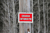 French no hunting sign