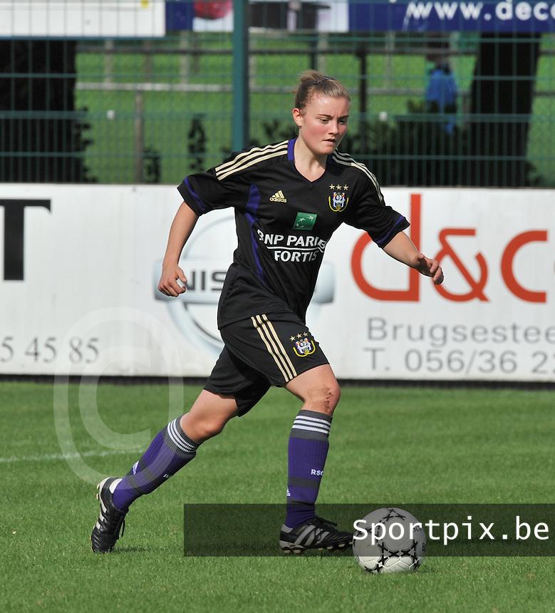 Rassing Harelbeke - RSC Anderlecht :  Annelies Van Elslander.fotografe Joke Vuylsteke - vrouwenteam.be