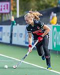 AMSTELVEEN - Melanie van Rijn (Adam)   tijdens de hoofdklasse hockeywedstrijd dames,  Amsterdam-Oranje Rood (2-2) .   COPYRIGHT KOEN SUYK