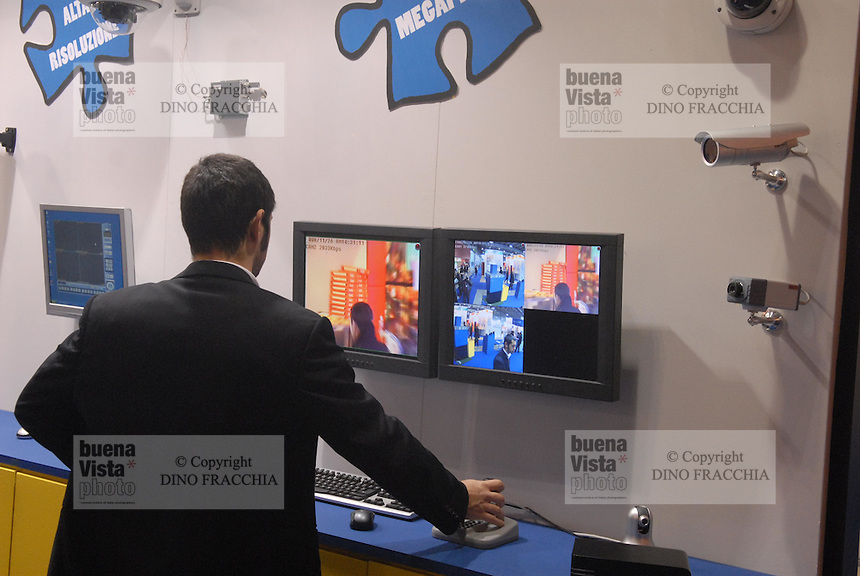 - Sicurtech, security and safety fair, video surveillance....- Sicurtech, fiera della sicurezza, videosorveglianza
