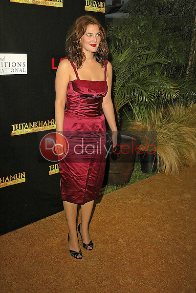 Drew Barrymore<br /> at the King Tut Returns to LACMA for a Five-Month Engagement, LACMA, Los Angeles, CA 06-15-05<br /> David Edwards/DailyCeleb.Com 818-249-4998