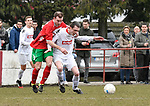 2018-03-04 / voetbal / seizoen 2017-2018 / White Star - Oud-Turnhout / Simon Brys (r) (White Star) houdt Maarten Sas (l) (Oud-Turnhout) af
