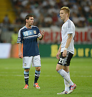FUSSBALL Nationalmannschaft Freundschaftsspiel:  Deutschland - Argentinien             15.08.2012 Lionel Messi (li, Argentinien) und Marco Reus (Deutschland)