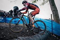 Laurens Sweeck (BEL/Pauwels Sauzen Vastgoedservice) conquering the tires <br /> <br /> men's race<br /> Soudal Jaarmarktcross Niel 2018 (BEL)