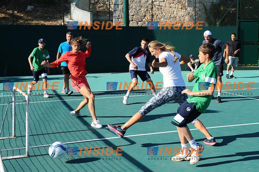 Victoria Azarenka Bielorussia e Amelie Mauresmo giocano a  calcio.Monaco Montecarlo 18/4/2012.Tennis Torneo ATP 1000 Master .Foto Insidefoto / Antoine Couvercelle / Tennismag / Panoramic