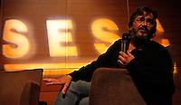 Fotógrafo Paulo Santos durante encontro com fotógrafos em Brasília.<br /> <br /> Foto Haristélio Sérgio