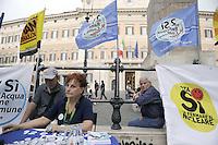 Roma, 23 Maggio 2011.Piazza Montecitorio.i comitati referendari su  Acqua,nucleare e legittimo impedimento in presidio permanente contro il temtativo di cancellare con il decreto Omnibus il referendum sul Nucleare.