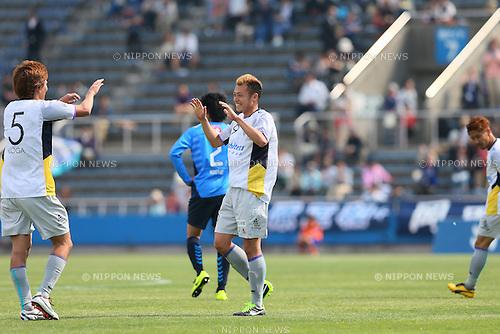 Shunsuke Tsutsumi (Avispa), .MAY 6, 2013 - Football /Soccer : .2013 J.LEAGUE Division 2 .between Yokohama FC 0-1 Avispa Fukuoka .at NHK Spring Mitsuzawa Football Stadium, Kanagawa, Japan. .(Photo by YUTAKA/AFLO SPORT)