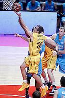 Asefa Estudiantes' Lamont Barnes (b) and Herbalife Gran Canaria's Jon Scheyer during Liga Endesa ACB match.December 19,2012. (ALTERPHOTOS/Acero) /NortePhoto