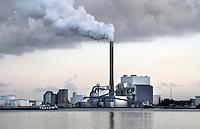 Nederland Amsterdam  2017.  Noordzeekanaal . De haven van Amsterdam. De kolencentrale van Nuon aan de Hemweg. Foto Berlinda van Dam / Hollandse Hoogte