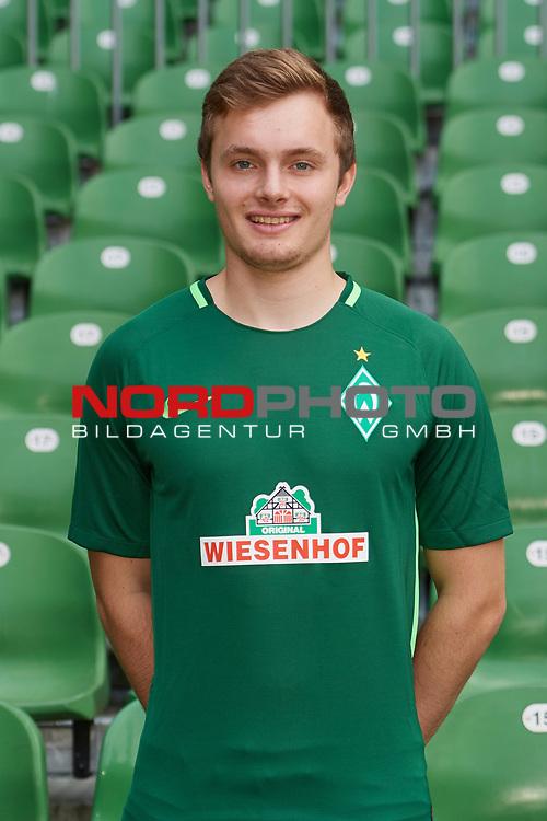 Fu&szlig;ball, GER, /3.Liga, Portr&auml;ttermin 2017/2018,<br /> <br /> Leander Wasmus (Werder Bremen U23 #18)<br /> <br /> Foto &copy; nordphoto / Kokenge
