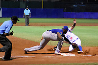 MONTERIA - COLOMBIA, 25-11-2019: Vaqueros de Montería y Caimanes de Barranquilla en el juego 3 de la serie 4 de la Liga Profesional de Béisbol Colombiano temporada 2019-2020 jugado en el estadio estadio Dieciocho de Junio de la ciudad de Montería. Victoria para Vaqueros por marcador de 6-5. / Vaqueros de Monteria and Caimanes de Barranquilla in match 3 series 4 as part Colombian Baseball Professional League season 2019-2020 played at Baseball Stadium on June 18 in Monteria city. Victory to Vaqueros by score of 6-5, Photo: VizzorImage / Andres Felipe Lopez / Cont