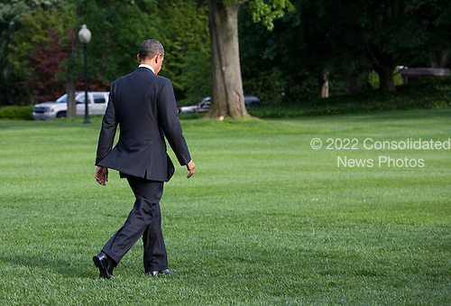 United States President Barack Obama departs the South Lawn of the White House in Washington, D.C. for the G8 meetings at Camp David, the Presidential Retreat near Thurmont, Maryland on Friday, May 18, 2012. .Credit: Kristoffer Tripplaar  / Pool via CNP