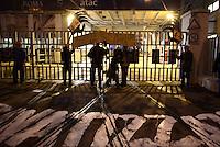 Roma, 13 Dicembre 2014.<br /> Corteo per il diritto alla città contro Mafia e Capitale,contro privatizzazioni,sgomberi, sfratti,distacchi e razzismo.<br /> Davanti la sede ATAC