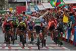 Sam Bennett (IRL) Bora-Hansgrohe wins the sprint for the finish line at the end of Stage 3 of La Vuelta 2019 running 188km from Ibi. Ciudad del Juguete to Alicante, Spain. 26th August 2019.<br /> Picture: Colin Flockton | Cyclefile<br /> <br /> All photos usage must carry mandatory copyright credit (© Cyclefile | Colin Flockton)