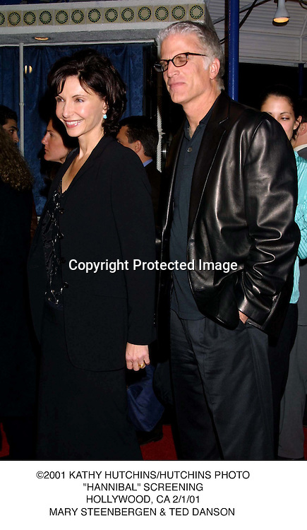 "©2001 KATHY HUTCHINS/HUTCHINS PHOTO.""HANNIBAL"" SCREENING.HOLLYWOOD, CA 2/1/01.MARY STEENBERGEN & TED DANSON"