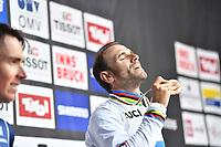 Picture by Simon Wilkinson/SWpix.com - 30/09/2018 - Cycling 2018 Road Cycling World Championships Innsbruck-Tirol, Austria - Men's Elite Road Race -Alejandro Valverde celebrates in the rainbow jersey.