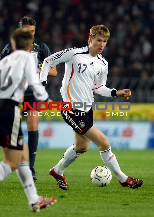 EM 06/07 Qualifikation Gruppe: D - <br /> Europameisterschafts-Endrunde<br /> <br /> Tschechien ( CZE ) - Deutschland ( GER ) 1 - 2<br /> <br /> Per Mertesacker<br /> <br /> Foto :&copy; nph (nordphoto)  *** Local Caption ***