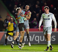 Charlie Walker of Harlequins celebrates his second half try with team-mate Ross Chisholm. Aviva Premiership match, between Harlequins and Saracens on December 3, 2017 at the Twickenham Stoop in London, England. Photo by: Patrick Khachfe / JMP