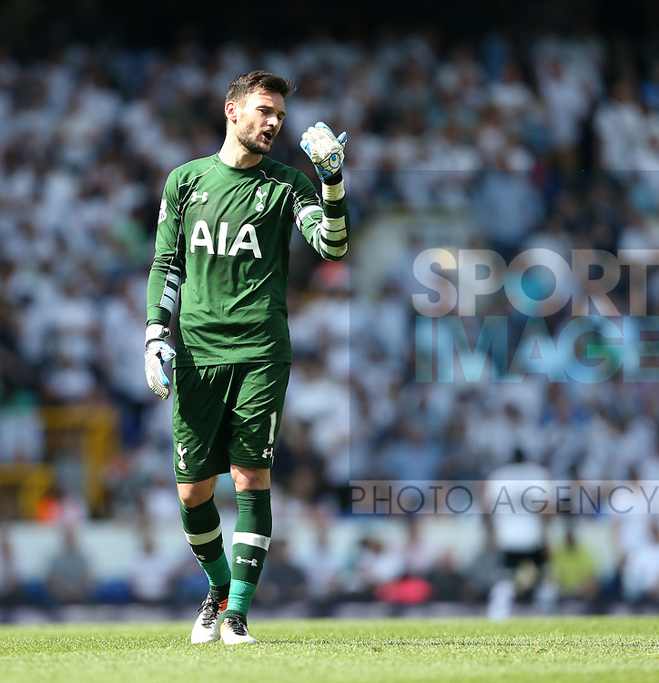 Tottenham's Hugo Lloris looks on dejected at the final whistle during the Barclays Premier League match at the White Hart Lane Stadium.  Photo credit should read: David Klein/Sportimage