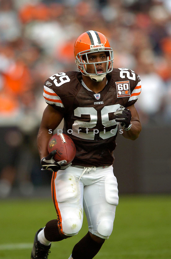 JASON WRIGHT, of the Cleveland Browns , during their game against the Baltimore Ravens on September 24, 2006 in Cleveland, Ohio..Ravens win 15-14..David Durochik / SportPics.