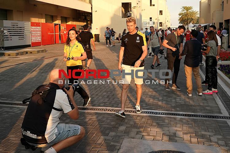 28.11.2019, Yas Marina Circuit, Abu Dhabi, FORMULA 1 ETIHAD AIRWAYS ABU DHABI GRAND PRIX 2019<br />, im Bild<br />Nico Hülkenberg (GER#27), Renault F1 Team<br /> <br /> Foto © nordphoto / Bratic