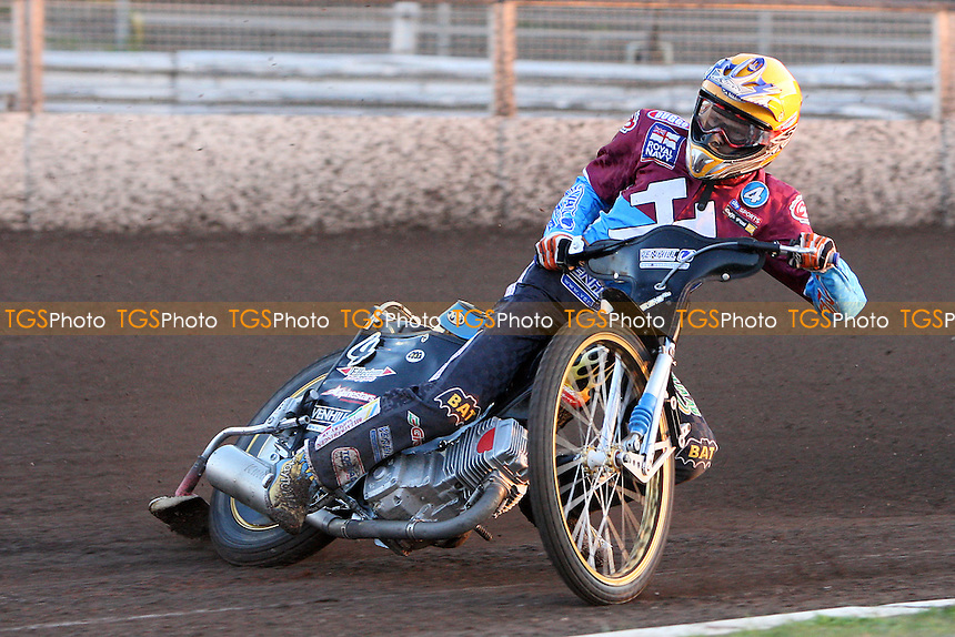 Jonas Davidsson on his way to victory in heat 3 - Ipswich Witches vs Lakeside Hammers - Sky Sports Elite League Speedway at Foxhall Stadium - 13/05/10 - MANDATORY CREDIT: Gavin Ellis/TGSPHOTO - Self billing applies where appropriate - Tel: 0845 094 6026