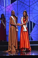 SAO PAULO, 11 DE AGOSTO DE 2012. MISS SAO PAULO 2012. A Miss Jau,Francine Pantaleao,  e a miss Cordeiropolis Layla Penas durante o concurso Miss Sao Paulo na noite deste sabado. FOTO - ADRIANA SPACA BRAZIL PHOTO PRESS