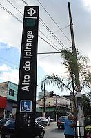 SÃO PAULO, SP, 28 DE JANEIRO DE 2012 - METRO FECHA DOMINGO  - As estações Vila Prudente, Tamanduateí, Sacomã e Alto do Ipiranga, da linha 2-verde ficarão fechadas neste domingo (29) até o meio-dia para a realização de testes. Ônibus serão disponibilizados para fazer o trajeto gratuitamente. FOTO: ALEXANDRE MOREIRA - NEWS FREE.
