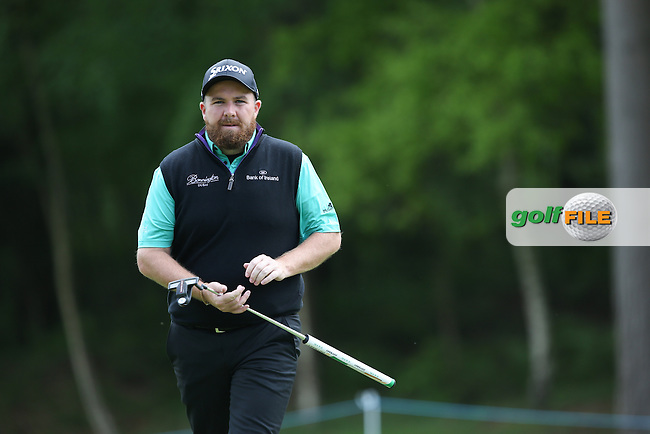 Shane Lowry (IRL) putting on the 7th during Round Two of the 2015 BMW PGA Championship over the West Course at Wentworth, Virginia Water, London. 22/05/2015Picture David Lloyd, www.golffile.ie.