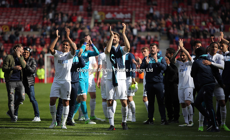Swansea players thank their away supporters during the Premier League match between Sunderland and Swansea City at the Stadium of Light, Sunderland, England, UK. Saturday 13 May 2017