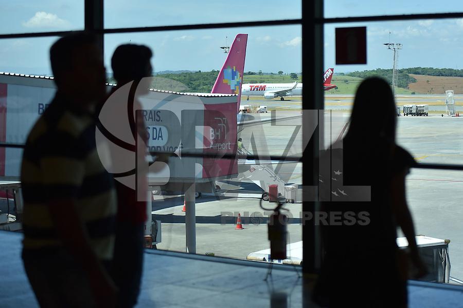 BELO HORIZONTE, BH, 11.11.2016 – AEROPORTO-BELO HORIZONTE – Movimentação no Aeroporto Internacional de Confins em Belo Horizonte, na manhã desta sexta-feira, 11. (Foto: Ricardo Botelho/Brazil Photo Press)