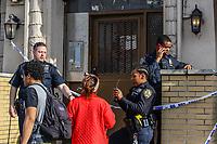 NOVA YORK, EUA, 23.04.2019 - CRIME-NOVA YORK - Uma suspeita de explosivo foi encontrada em um edifício do Bronx e o esquadrão anti-bombas foi acionado pelas autoridades. Segundo os bombeiros não houve feridos nesta terça-feira, 23. (Foto: William Volcov/Brazil Photo Press)